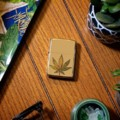 Запальничка Zippo 49240 Pot Leaf Fusion Design High Polish Brass | інтернет магазин LuxTime